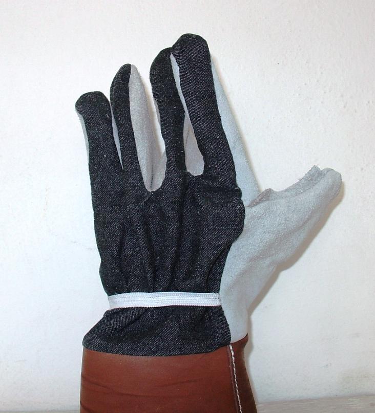 ΓΑΝΤΙΑ I.S. TAP CATCH Γάντια με διπλή επικάλυψη νιτριλίου για μεγαλύτερη προστασία και ανθεκτικότητα, πρώτη στρώση από νιτρίλιο και η δεύτερη από αφρώδες νιτρίλιο με μανσέτα από NYLON που κλείνει με Velcro.